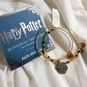ALEX AND ANI Harry Potter Hufflepuff Bracelet  Set